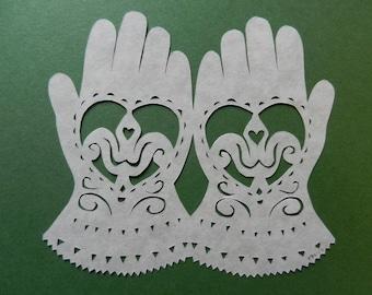 Pennsylvania Dutch Heart and Hands Scherenschnitte