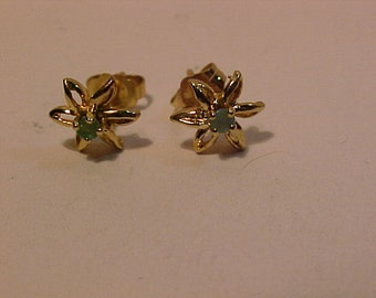 14k yellow gold Emerald Stud Earrings-Tested-Guaranteed