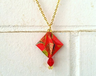 Red and gold necklace, asian flower pattern, origami jewelry | Gold Chain | Modulo