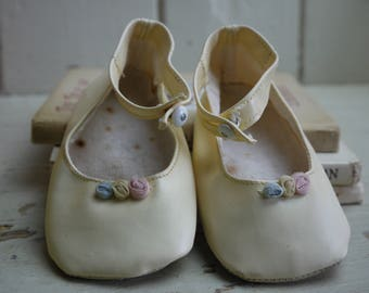 Vintage Pair of Pastel Baby Shoes - Doll Shoes