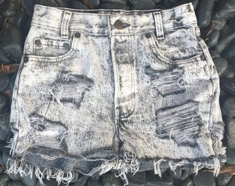 the vintage distressed Levis cut offs // charcoal grey levis shorts // levis distressed shorts //90s cut off shorts//black levis shorts//