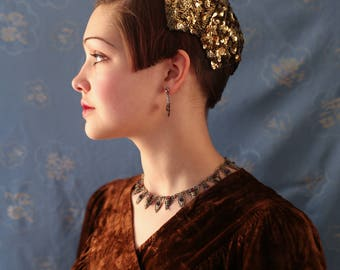 Gold and black French 1920s sequinned & beaded skullcap with pointed edging