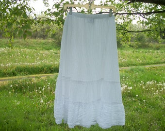 Retro 80s 90s LOVELY Crinkley White Cotton Lacey Type APPLIQUE Tiered BOHO Gypsy Festival Long Skirt, says 2X more like a 1 X