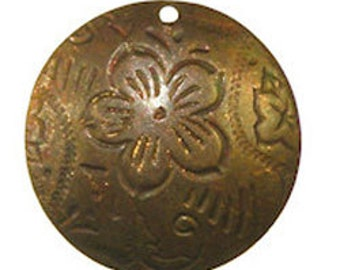 Trinity Vintage Brass Stamping 20mm DANCING FLOWER charm (PKG 6) (msb1036)