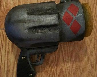 Harley Quinn Pop Gun