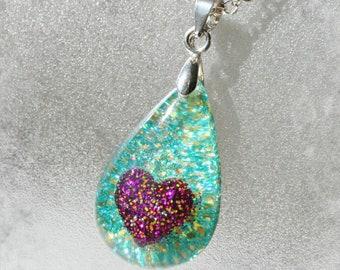 Teardrop Resin Pendant with glitter heart ,  Resin Jewelry , Resin glitter Jewelry