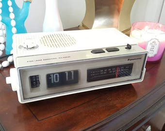 Panasonic Model RC-6002 FM-AM Digital Clock Radio