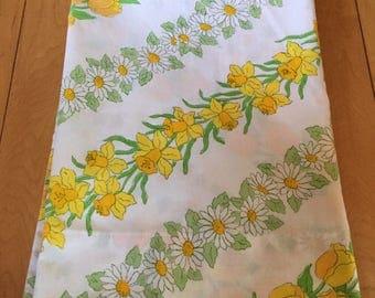 Vintage 1970s Floral Daffodil Daisy Tulip Pillowcase!