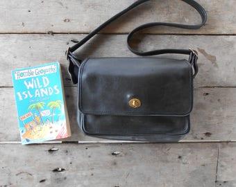 Vintage COACH Bag  No.075-3047 / Black / Messenger , Crossbody , Shoulder Bag / Medium / Made in United States