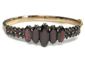 Antique Victorian Bohemian Pyrope Garnet Bangle Bracelet 7 Inches