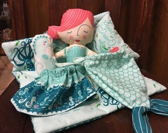 Moda Queen of the Sea Doll Set