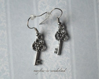 Description of the item key Silver earrings
