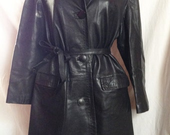 Coat vintage, black leather, T 40 / 42.
