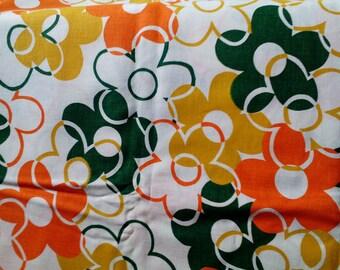 Vintage Mod Daisy Flower Fabric 2.5 Yard Unused