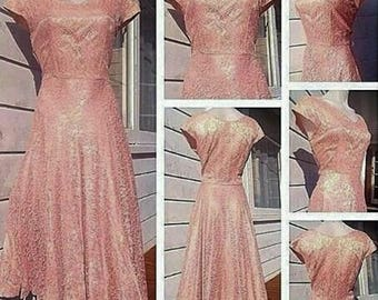 SALE****1940s/50s Fully Lined Lace Evening Gown with Full Skirt!