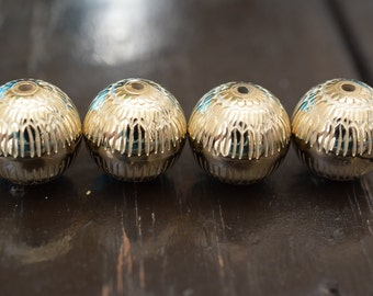 18mm Vintage Metalized Gold Lucite Round Beads, 4pcs