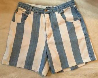 Vintage 90s high waisted shorts