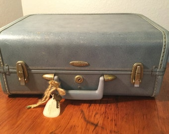 Vintage Blue Taperlite Carry On Cosmetic Case Suitcase with Key