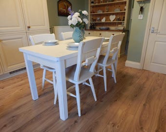 Gorgeous shabby chic Vintage Pine table & 4 Pine chairs