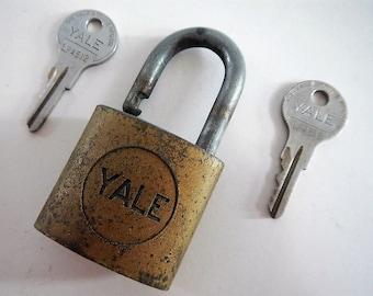 Vintage Yale & Towne Lock with 2 keys, WORKS - industrial decor, hardware, rustic, steampunk, padlock, metal, craft supply, USA