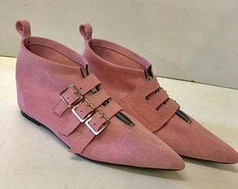 Original Pikes-3 Buckle Boots in Pink Suede
