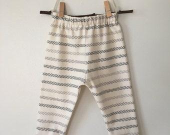 blue gray striped organic cotton leggings//baby pants//toddler leggings//toddler pants//organic leggings