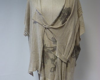 Boho natural linen printed blouse, XL size. Wear with a simple top.