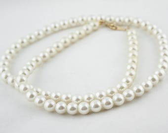 Vintage White Faux Pearl Beaded Necklace Costume Jewelry