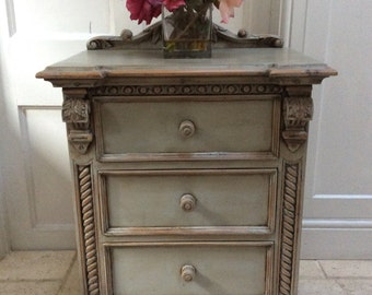 French Style Grey Painted Bedside Cabinet Hall Table Chest of Drawers Carved Decorative