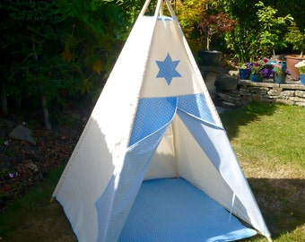 Children's Teepee and padded floor mat