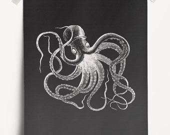Vintage Octopus Print. Sea Life Poster. Nautical Black White Wall Décor. Graphic Marine Print. Coastal WallDécor. Beach House Wall Décor.