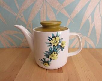 1960s J&G Meakin Studio buttercup-style floral teapot