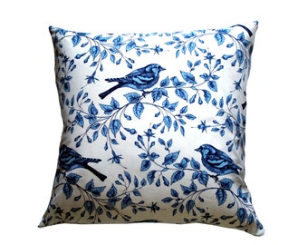 Romantic cushion//birds and flowers//cushion cover//bird//blue-white//45 x 45 cm//cotton//by stuudio