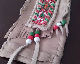 bag of wish / medicine bag beading green red and white