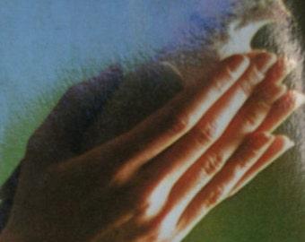 Vintage card.Vintage postcard.Uruguay.1980s .Ephemera.Birthday gift.Bird.Hands.Frase.Quote.Love quote.To frame.Special gift.Pajaro.Mano