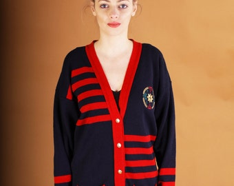 Beautiful long vintage cardigan from the 80s // navy blue with red stripes and golden patch // golden ornamental buttons