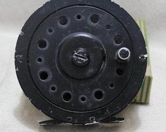 Vintage Classic Edwards Manufacturing Co. #40 Black Finish Aluminum Single Action  Fly Fishing Reel