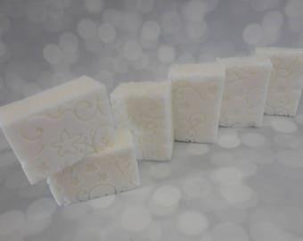 Wedding Soaps - Floral Soap - Bridal Shower Favors - White Wedding Favors - Handmade Soap Favors - Floral Wedding Favors - Handmade Soaps