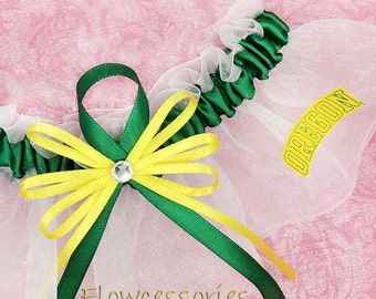 Pick Charm - University of Oregon Ducks - UO handmade bridal garter - keepsake