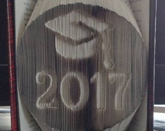 2017 Grad Cap in Oval - Folded Book Art Pattern - Combination Fold - Instant Download!!