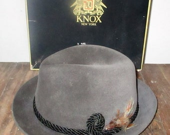 Vintage 1950s Dobbs Fifth Avenue Grey Wool Felt Fedora Raleighs Gray Menswear Hat Size 7 In Knox Box Black Cord & Feather Detail