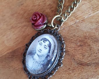 Jane Austen - Charm Necklace