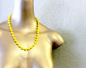 vintage bright yellow lucite beaded necklace
