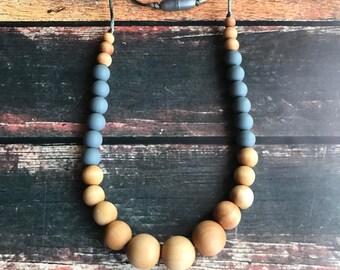 Nursing Necklace - Wood & Silicone teething necklace - breastfeeding necklace - babywearing necklace - Sensory Necklace - Wood Necklace