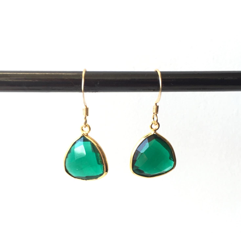 boucles d 39 oreilles quartz serti vert emeraude plaqu or. Black Bedroom Furniture Sets. Home Design Ideas