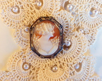 Art Deco 10K Cameo Pendant or Brooch Hand Carved Carnelian Shell Cameo Beautiful Detail Can be Worn as Pendant or Brooch Pin