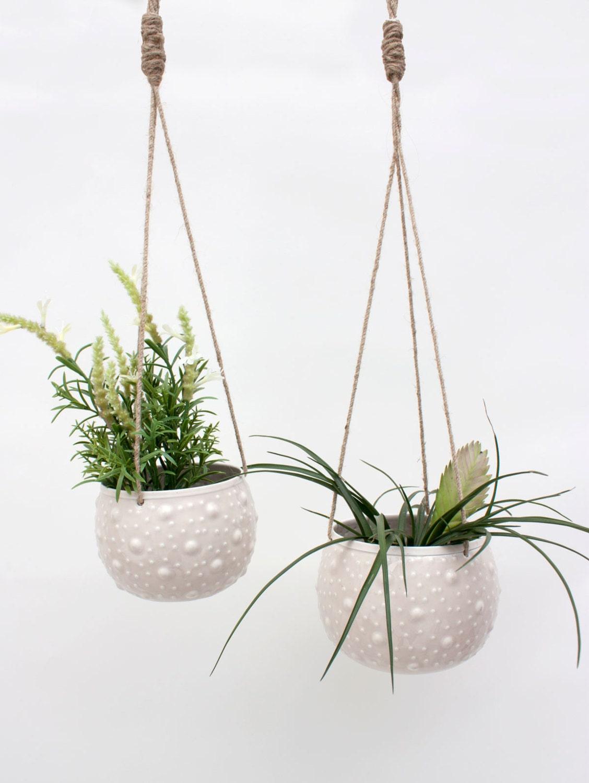 enamel hanging planter blumenampel plant pot holder. Black Bedroom Furniture Sets. Home Design Ideas