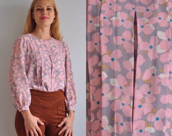 70s Pleated Front Sheer Blouse // Pastel Pink & Grey Flowers