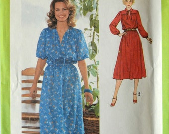 Uncut 1970s Simplicity Vintage Sewing Pattern 9062, Size 12; Misses' Pullover Dress