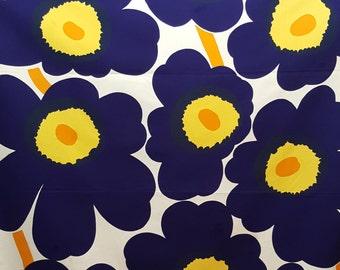 """Vintage cotton fabric - """"Unikko"""" - Maija Isola - Marimekko - Finland - 1960s (T22)"""